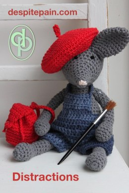 Distract from pain - crochet or knit. toy artist mouse